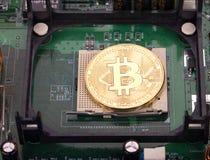 Bitcoin dourado fotos de stock