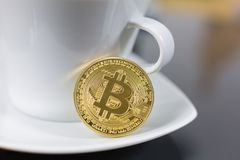 Bitcoin e café fotos de stock