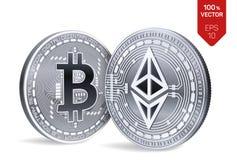 Bitcoin e ethereum monete fisiche isometriche 3D Valuta di Digital Cryptocurrency Monete d'argento con bitcoin e Fotografia Stock Libera da Diritti