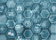 Bitcoin e fondo blu e grigio del blockchain con l'orizzonte della città e la sovrapposizione vaghi del poligono illustrazione vettoriale