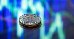 Bitcoin, ein neues Konzept des virtuellen Geldes, der Grafiken und des digitalen Bas Stockfotografie