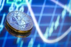 Bitcoin, ein neues Konzept des virtuellen Geldes, der Grafiken und des digitalen Bas Lizenzfreie Stockbilder