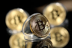 Bitcoin em seu caso imagem de stock