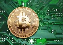 Bitcoin em um processador imagem de stock royalty free