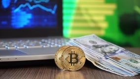 Bitcoin en dollars stock video