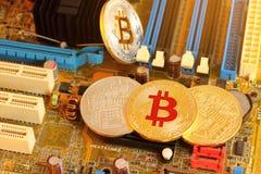 Bitcoin est pièce de monnaie numérique et un cryptocurrency Photographie stock libre de droits
