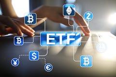 Bitcoin ETF 交换在虚屏上的被换的资金和cryptocurrency概念 免版税库存图片