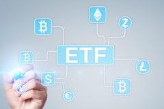 Bitcoin ETF Uitwisseling verhandeld fonds en cryptocurrencyconcept op het virtuele scherm stock foto