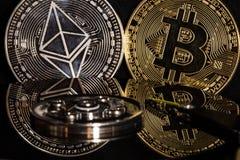 Bitcoin, ethereum no disco rígido fotos de stock royalty free