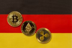 Bitcoin, Ethereum, ondula crypto imagenes de archivo