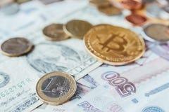 Bitcoin, Euro, Dollar und Rubel Lizenzfreies Stockfoto