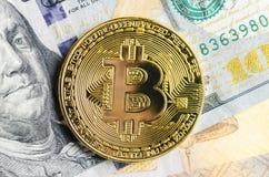 Bitcoin, euro et dollars Image stock