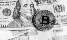 Bitcoin, euro et dollars Photos stock