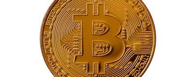 Bitcoin Fysiek beetjemuntstuk Digitale munt Het concept van de Cryptocurrencymijnbouw Gouden muntstuk met bitcoinsymbolen op witt Royalty-vrije Stock Foto
