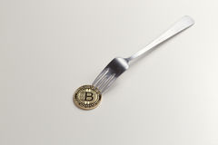 Bitcoin gaffel Royaltyfria Bilder
