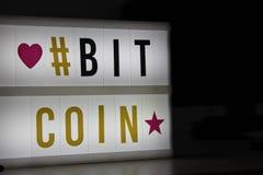 Bitcoin geleid licht teken stock afbeeldingen