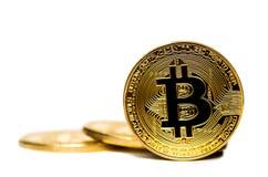 Bitcoin Gouden die geld Bitcoin op witte achtergrond wordt geïsoleerd Stock Fotografie