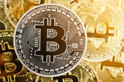 Bitcoin gouden muntstuk Cryptocurrencyconcept stock afbeelding