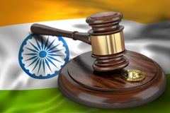 Bitcoin i sędziego młoteczek kłaść na flaga India Obrazy Royalty Free