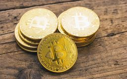 Bitcoin kassa - bild för begrepp för Digital cryptocurrencyHype royaltyfria bilder