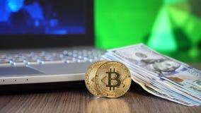 Bitcoin - kawałek Menniczy Btc i dolary zbiory