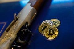Bitcoin kodade pengar som det faktiska pengarutbytet spekulerar framtid Arkivfoton