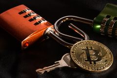 Bitcoin, Kombinationsschloß, Schlüssel lizenzfreie stockfotografie