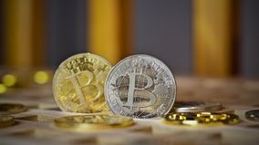Bitcoin-Metallmünze stockfotografie