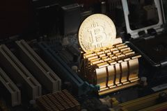 Bitcoin, a moeda digital, fundo macio do foco Foto de Stock Royalty Free