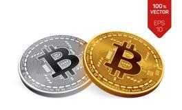 Bitcoin moeda física isométrica do bocado 3D Moedas douradas e de prata com símbolo do bitcoin isoladas no fundo branco Imagens de Stock Royalty Free