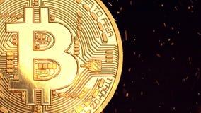 Bitcoin - moneda BTC del pedazo la nueva moneda crypto almacen de metraje de vídeo