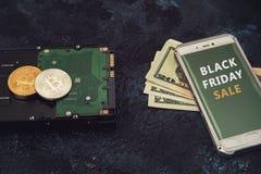 Bitcoin mynt med HDD Royaltyfria Bilder
