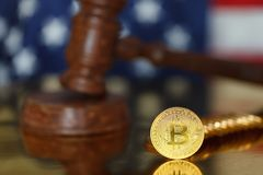Bitcoin och domareauktionsklubba Arkivfoto