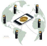 Bitcoin pelo mundo inteiro Bitcoin no telefone e bitcoin ATMs Imagem de Stock Royalty Free