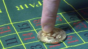 Bitcoin que apuesta en ruleta del casino metrajes