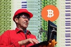 Bitcoin som bryter maskinbegrepp Fotografering för Bildbyråer