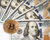 Bitcoin sur la fan d'une exploitation de carte graphique d'ordinateur - concept Images stock