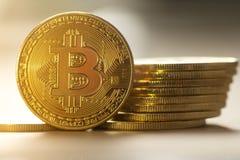 Bitcoin, transferencia monetaria futura Tecnology del ` s Fotografía de archivo libre de regalías