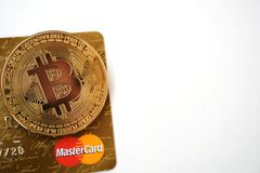 Bitcoin und MasterCard stockfoto