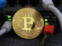 Bitcoin und Netz stockfotografie