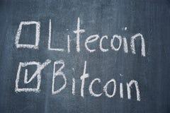 Bitcoin y Litecoin Foto de archivo libre de regalías
