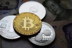 Bitcoin y Litecoin, ondulan las monedas de Ethereum Primer fotos de archivo libres de regalías