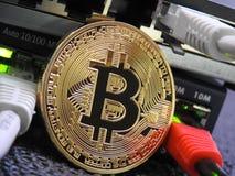 Bitcoin y red foto de archivo libre de regalías