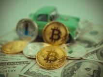 Bitcoin złoty menniczy Nowy wirtualny pieniądze Obrazy Royalty Free