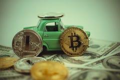 Bitcoin złoty menniczy Nowy wirtualny pieniądze Zdjęcia Royalty Free