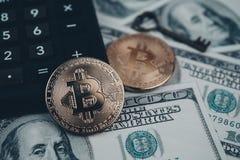 Bitcoin złoty menniczy Nowy wirtualny pieniądze Fotografia Royalty Free