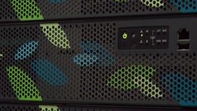 Bitcoinlandbouwbedrijf in gegevens ceneter stock footage