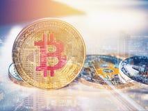 Bitcoinmuntstuk en crypto cerrency bedrijfsconcept stock foto