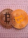 2 bitcoins Стоковые Фотографии RF