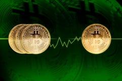 Bitcoins Concetto, bitcoin e grafico finanziari di crescita Fotografia Stock Libera da Diritti